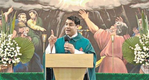 Padre Chrystian Shankar - EuGordinha