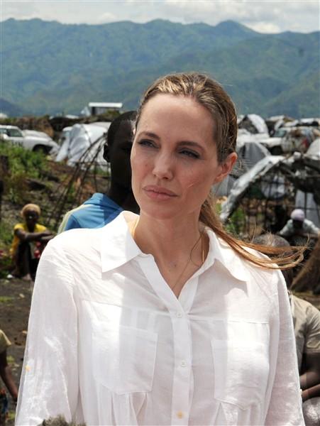 Angelina Jolie - EuGordinha