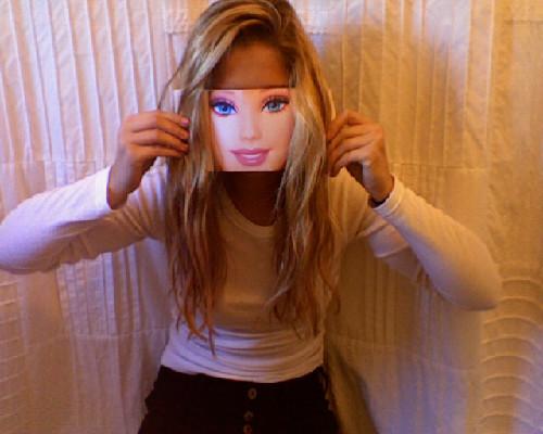 Há quem ache a Barbie legal...