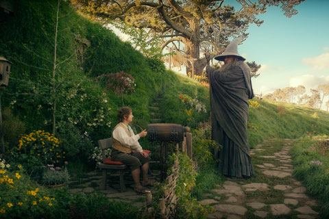"""(ilustração com Gandalf e Bilbo, cena do filme """"O Hobbit"""")"""