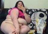 Sara Reign com sanduíches